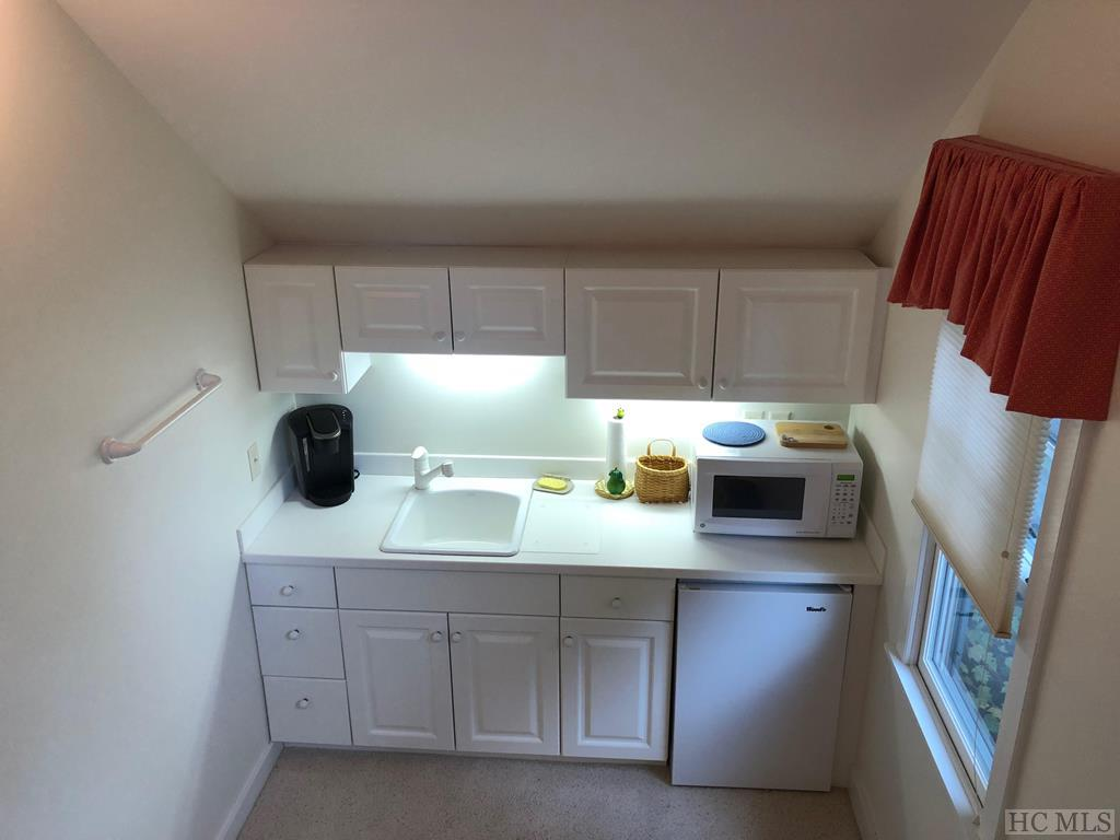 Guest Quarters Kitchenette